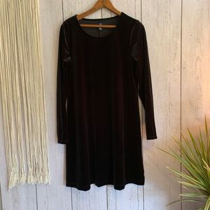 Vintage Dresses - 🌸Vintage Long Sleeved 90's era Velvet Dress🌼